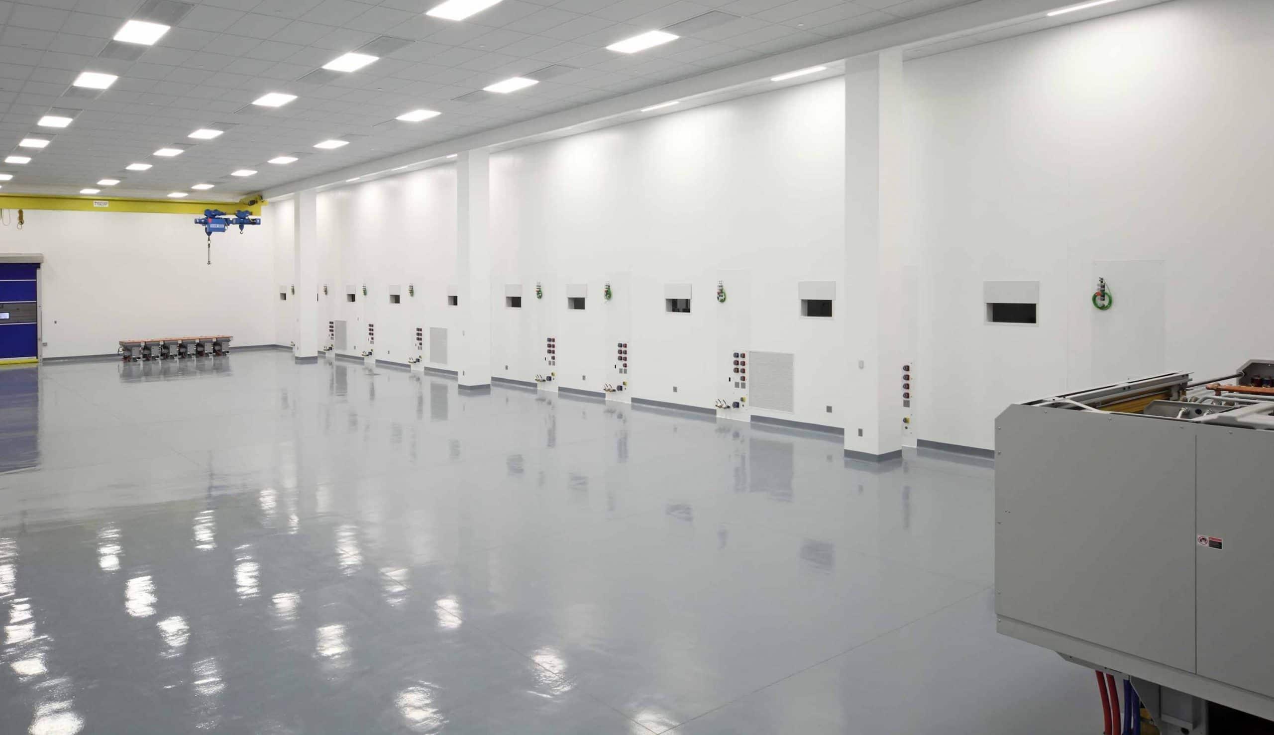ALMAX EIS class 1000 clean room
